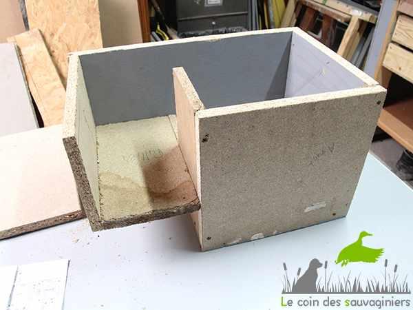 fabriquer un nichoir chicane. Black Bedroom Furniture Sets. Home Design Ideas